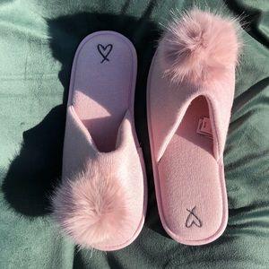 VS Slippers Pom Pom Pink NWOT